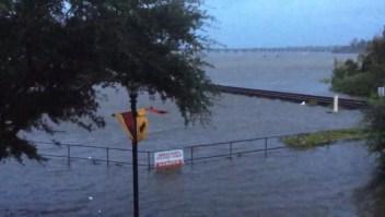 Florence ya empezó a inundar a Carolina del Norte