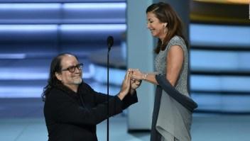 Sorpresiva propuesta de matrimonio en los premios Emmy