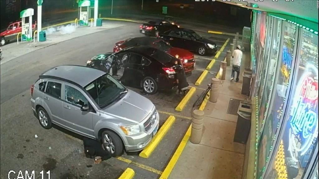 Violento tiroteo frente a estación de gasolina en EE.UU.