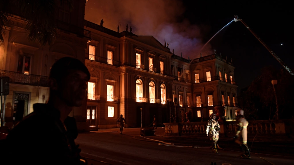 A massive fire engulfs the National Museum in Rio de Janeiro, one of Brazil's oldest, on September 2, 2018. - The cause of the fire was not yet known, according to local media. (Photo by Carl DE SOUZA / AFP) (Photo credit should read CARL DE SOUZA/AFP/Getty Images)