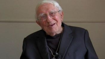 Bernardino Piñera vive en una casa de las Hermanitas de los Pobres y ha perdido la audición. (Crédito: prensa Conferencia Episcopal de Chile).