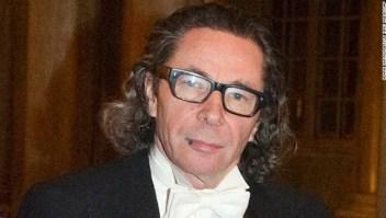 Jean-Claude Arnault, en la cena del Nobel en el Palacio Real de Estocolmo en diciembre de 2011, fue declarado culpable de violación. (Crédito: Henrik Montgomery/TT News Agency via AP, archivo)