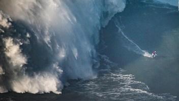Surfista brasileña bate el récord mundial femenino de olas grandes