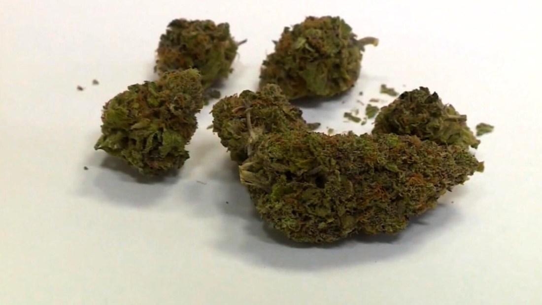 Viajeros de Los Ángeles ahora podrán volar con una pequeña dosis de marihuana