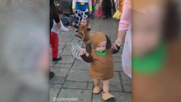 Este padre llevó un disfraz de 'Toy Story' a otro nivel