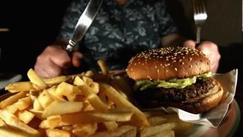 ¿Cuánta comida rápida consumen los adultos en EE.UU.?