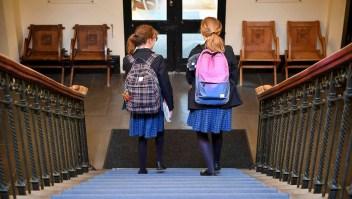 Una tercera parte de las alumnas en Reino Unido son acusadas sexualmente cuando llevan uniforme, según la investigación de la organización benéfica infantil Plan International UK.