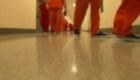 Centro de ICE, bajo fuego por acusaciones de violaciones de DD.HH.