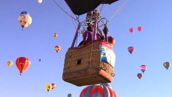 Esta pareja se casó en un globo de aire caliente