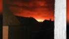 Un arsenal explosiona y se incendia en Ucrania