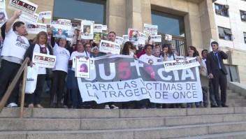 Familiares de víctimas de la tragedia de Once celebran condena contra de Vido
