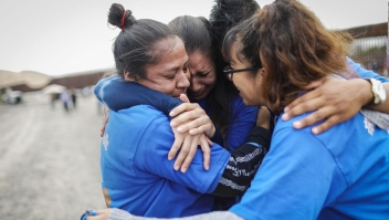 Familias reunidas por corto tiempo en frontera EE.UU.--México