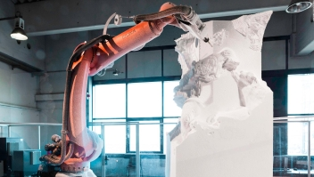 Robots industriales recrean esculturas clásicas