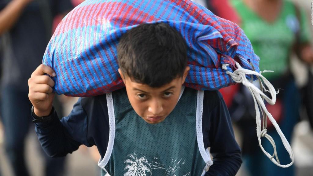 La policía mexicana busca contener a la caravana de inmigrantes hondureños