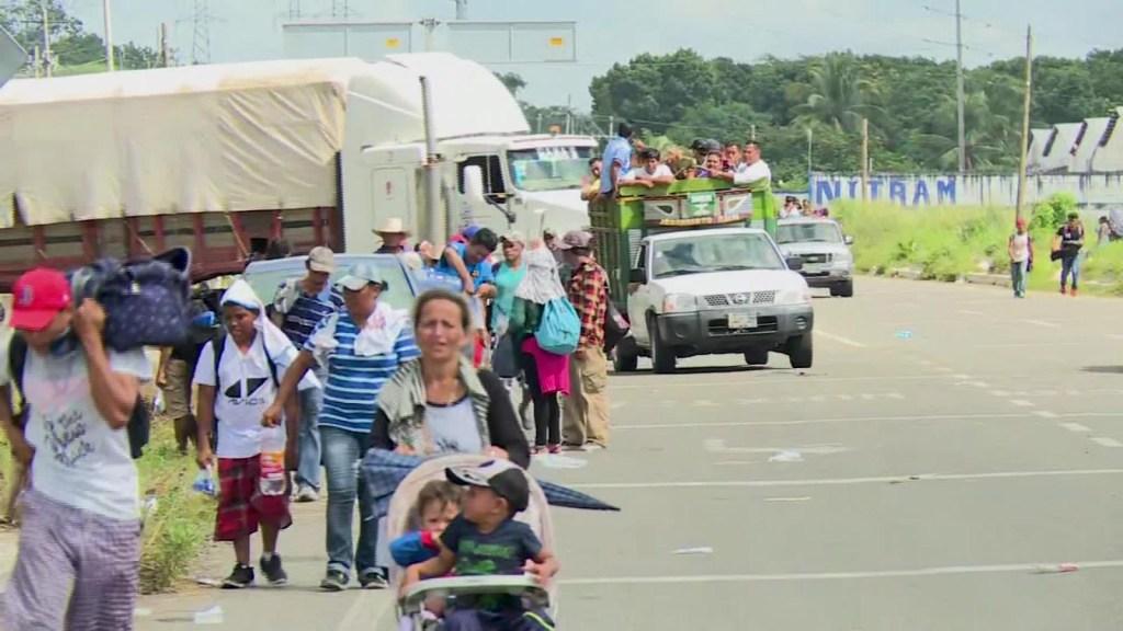 Cruz Roja Mexicana con la caravana de migrantes