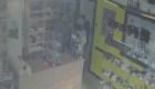 Varios ladrones fueron arrestados después de que el dueño de una tienda les sugiriera regresar más tarde