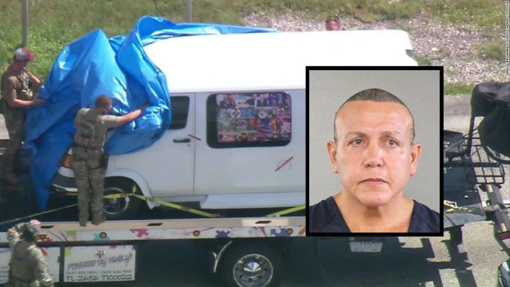 Se cree que el sospechoso de enviar los paquetes bomba los fabricó en su propio camión.