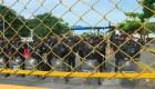 Masiva caravana de hondureños trata de ingresar a aduana de Guatemala