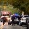 Agentes de Policía acuden a una sinagoga en Pensilvania al ser alertados de un tiroteo. (Crédito: Jeff Swensen/Getty Images)