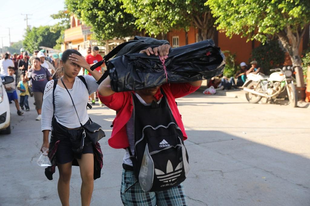 Algunos de los miles de inmigrantes centroamericanos que cruzan México con la intención de llegar a Estados Unidos. (Crédito: Spencer Platt/Getty Images)