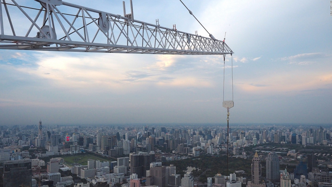Bangkok inaugura mirador de cristal a 300 metros de altura