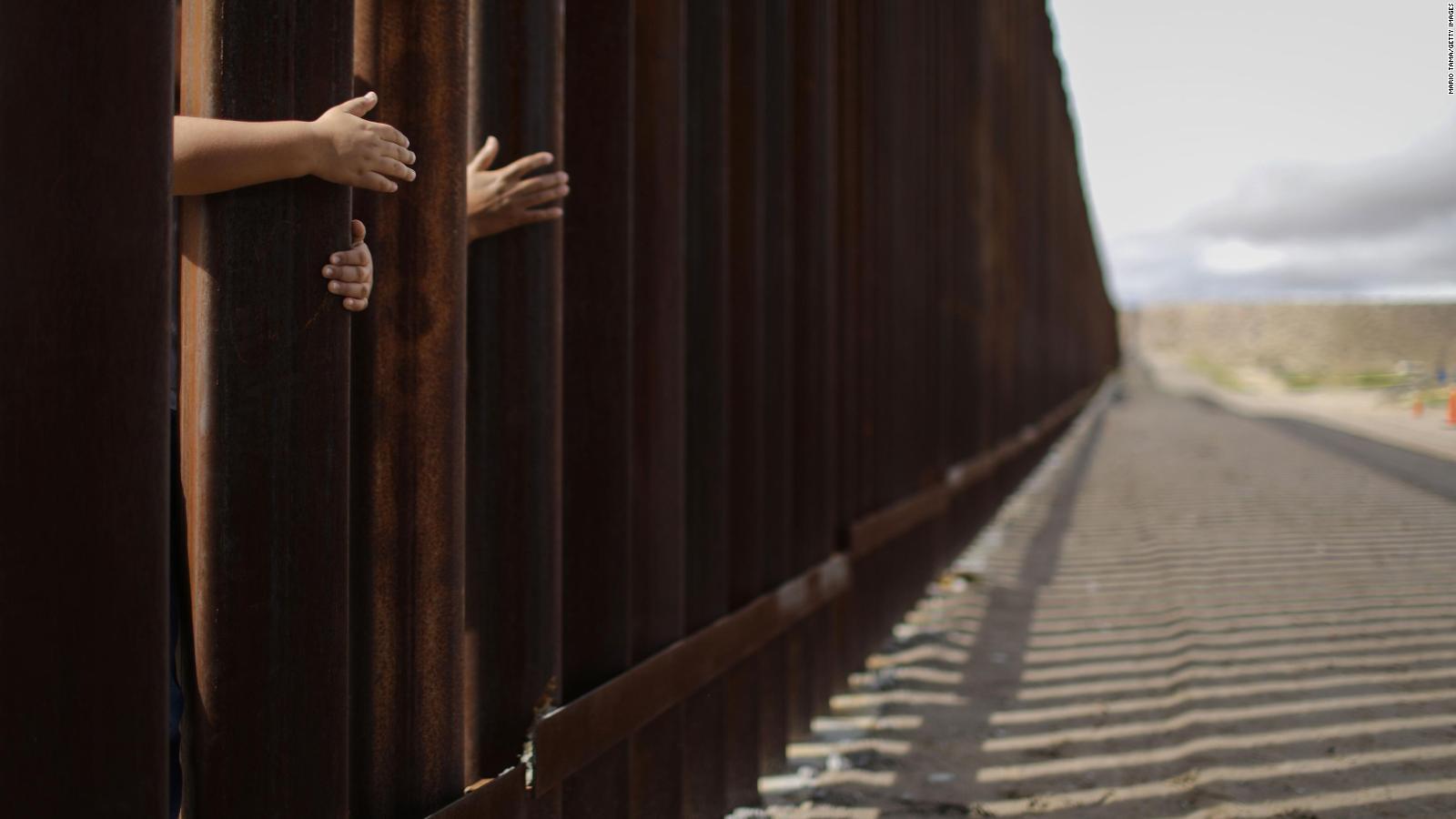Con más de 3.000 kilometros, separando EEUU y México, miles cruzan la frontera en busca de un sueño