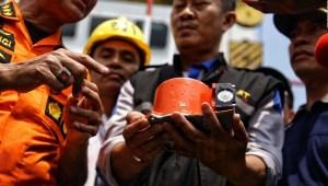 #MinutoCNN: Encuentran la grabadora de datos del avión de Lion Air que se estrelló con 189 personas a bordo
