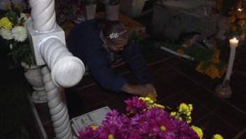 ¿Qué hacen las familias la noche de Día de Muertos?
