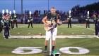 Jugador de fútbol americano cautiva al cantar himno de EE.UU.