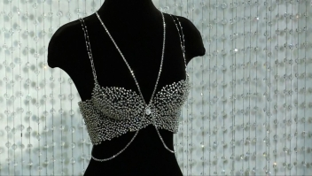 #ElDatoDeHoy: Victoria's Secret presenta sostén con cientos de diamantes