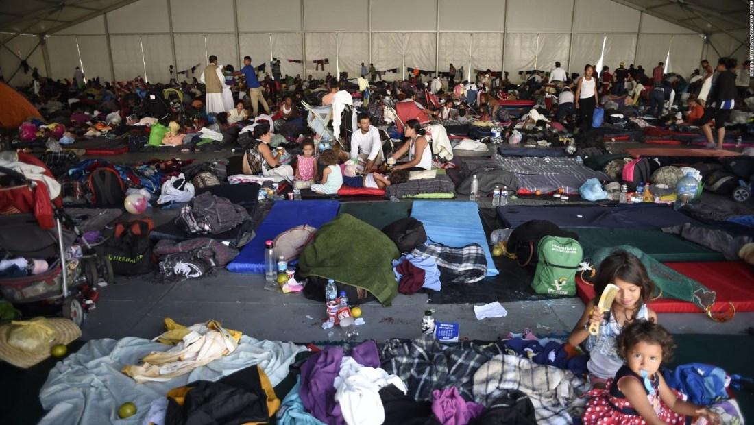 """Laura Esquivel: """"Hay millones de personas que se están muriendo de hambre"""""""