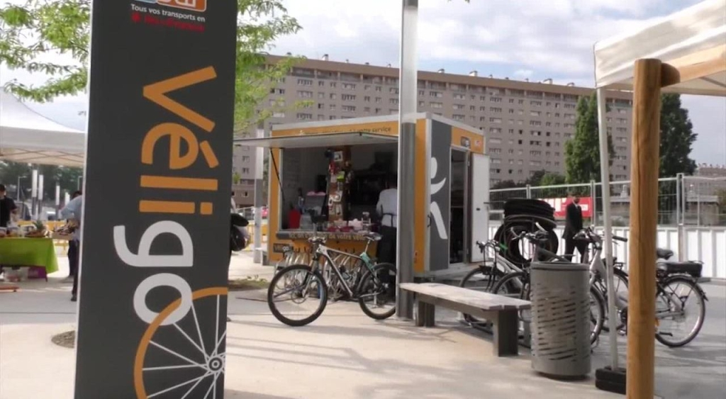 Miles de bicicletas eléctricas tomarán las calles de París