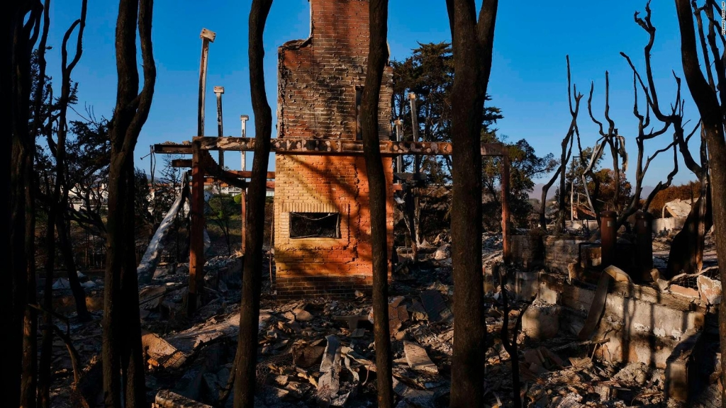 ¿Quién pagará la factura por el desastre de los incendios en California?
