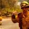 ¿Por qué los incendios en California se están propagando tan rápido?