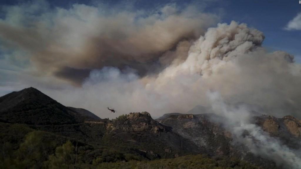 Aumenta el número de muertos por incendios en California