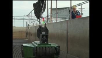 Primer robot vaquero ya hace su trabajo en algunas granjas
