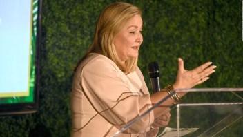 Cynthia Hudson recibe reconocimiento por su liderazgo
