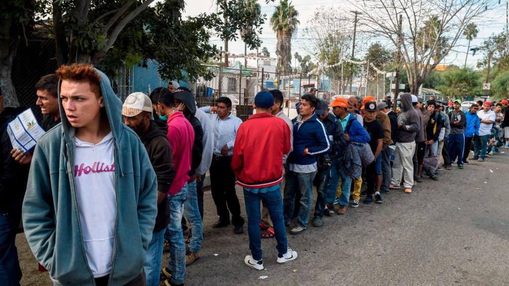 Mexicanos protestan en Tijuana contra los inmigrantes centroamericanos