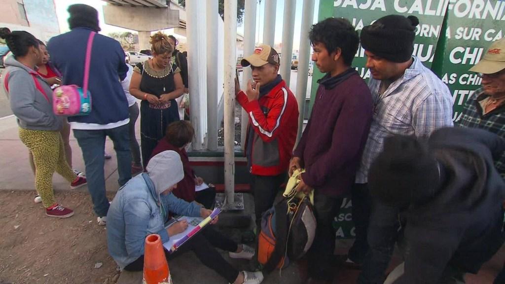 Miles de migrantes centroamericanos pedirán asilo en EE.UU.