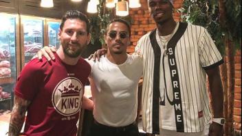 """Lionel Messi y Paul Pogba emulan a """"Salt Bae"""""""