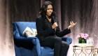 El expresidente Barack Obama sorprende a Michelle durante promoción de libro