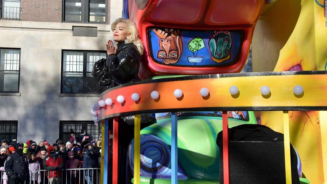 Rita Ora falló en el doblaje y Twitter no se lo perdonó