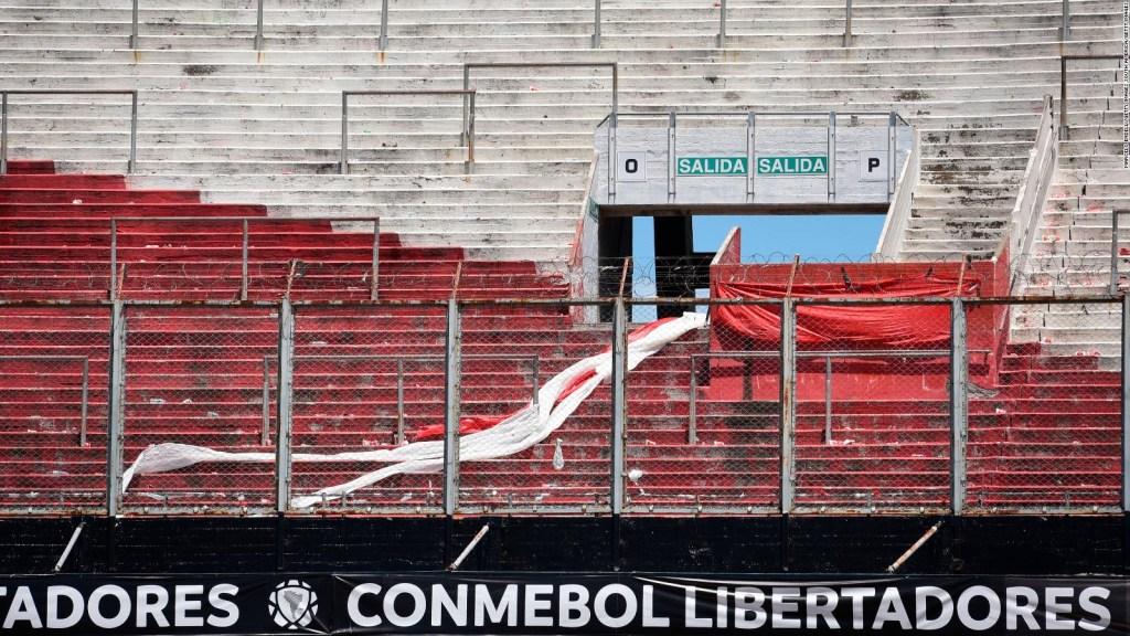 Hinchas de Boca reaccionan tras suspensión del partido