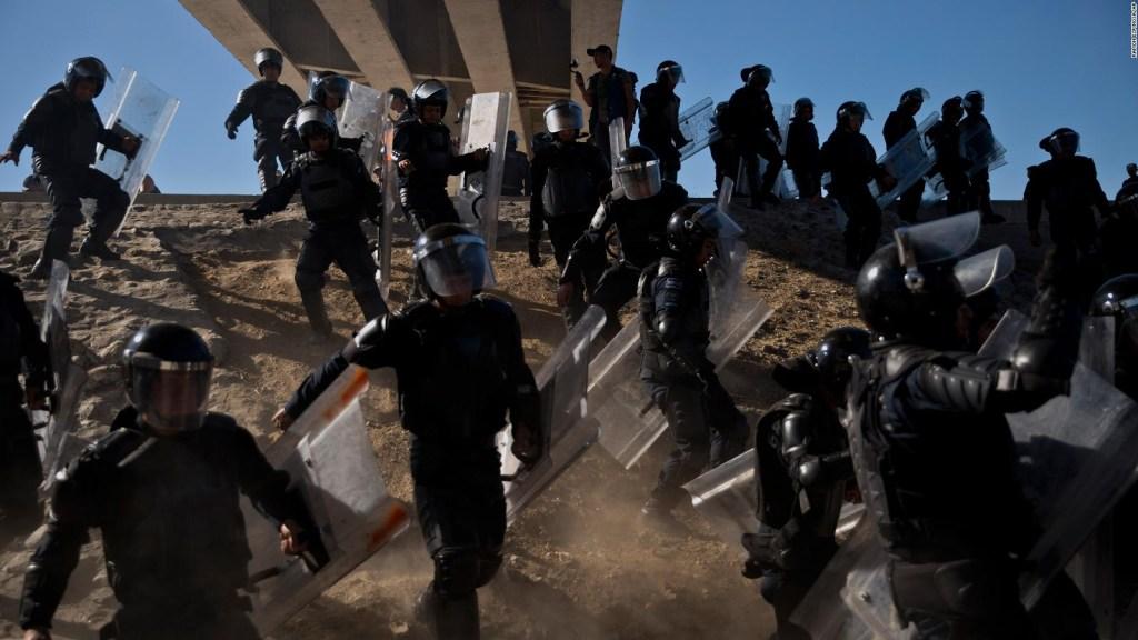 EE.UU. despliega más agentes a la frontera en respuesta a las protestas