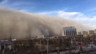 Tormenta de arena en China cubre una ciudad en cinco minutos