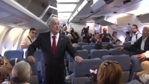Piñera recibe a chilenos que salen de Venezuela