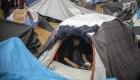 Así es la vida de los migrantes en un campamento improvisado en la frontera de México con EE.UU.