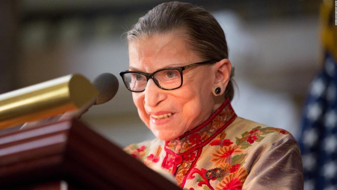 Ginsburg fue dada de alta del hospital tras cirugía