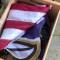 Mira a este conductor de FedEx rescatar una bandera estadounidense