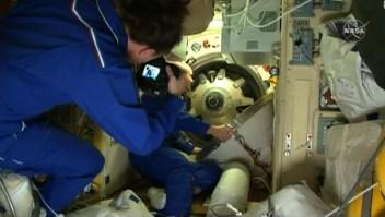 Nave rusa Soyuz llega a la Estación Espacial Internacional